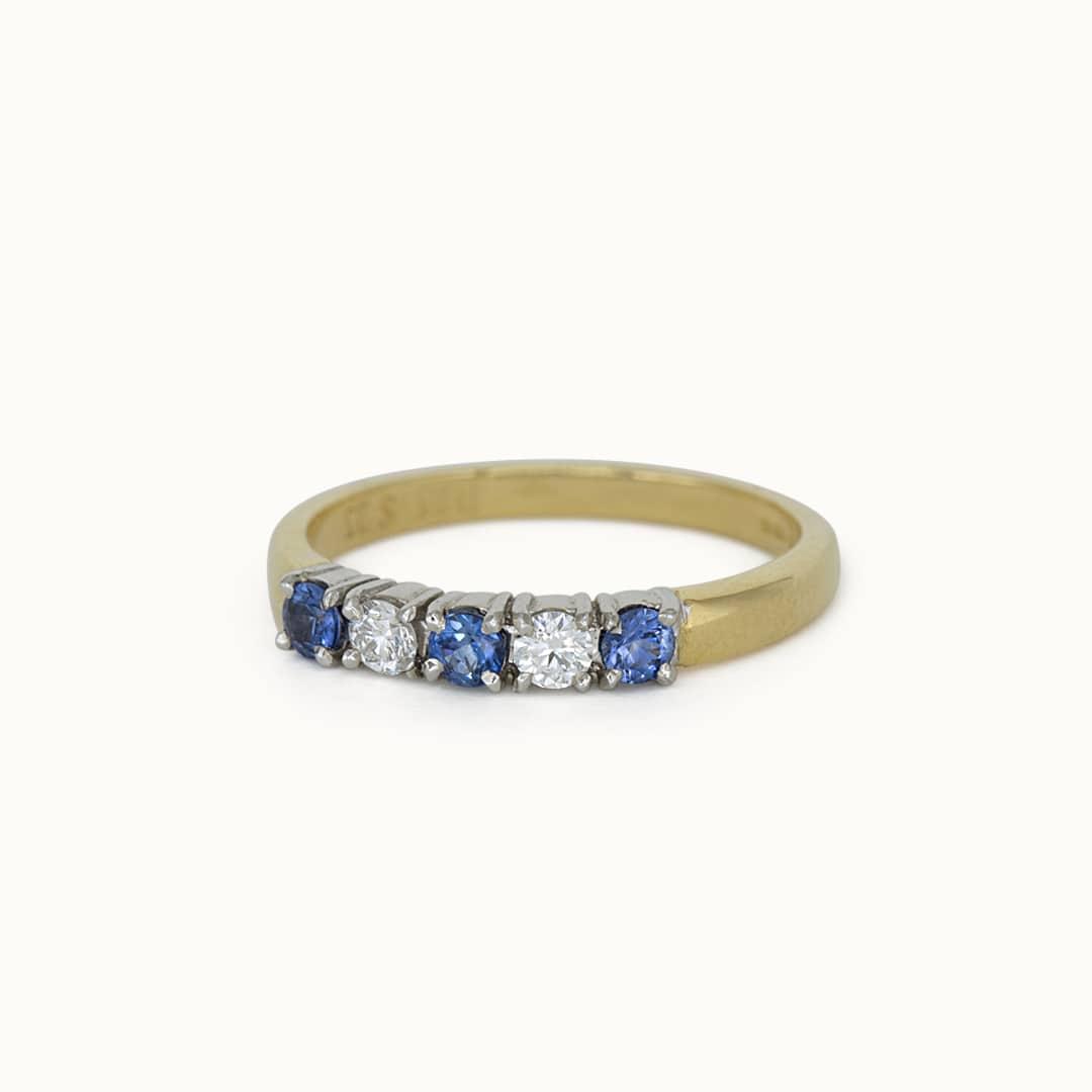 Ann | 18K Sapphire & Diamond