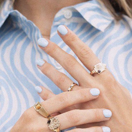Gale | 9K Garnet Signet Ring